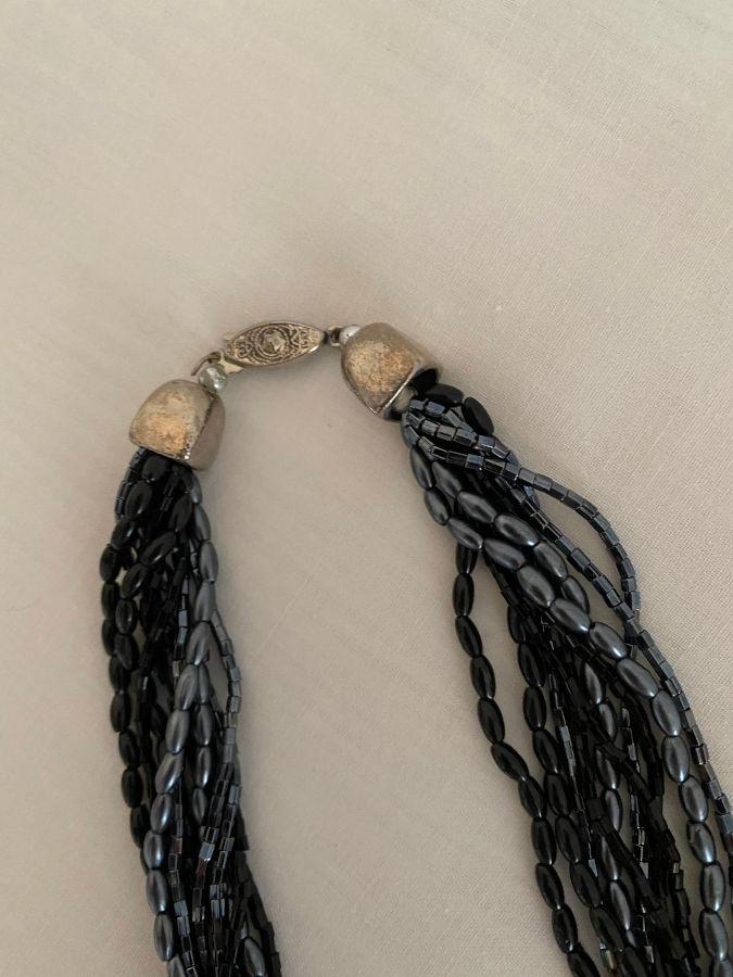 black-necklace-clasp